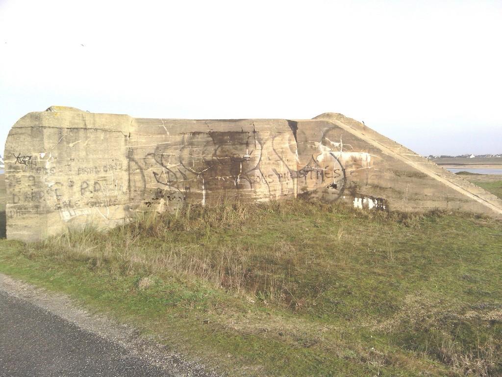[Histoires et Histoire] Fortifications et ouvrages du mur de l'atlantique (Sujet unique) - Page 4 Blocet10