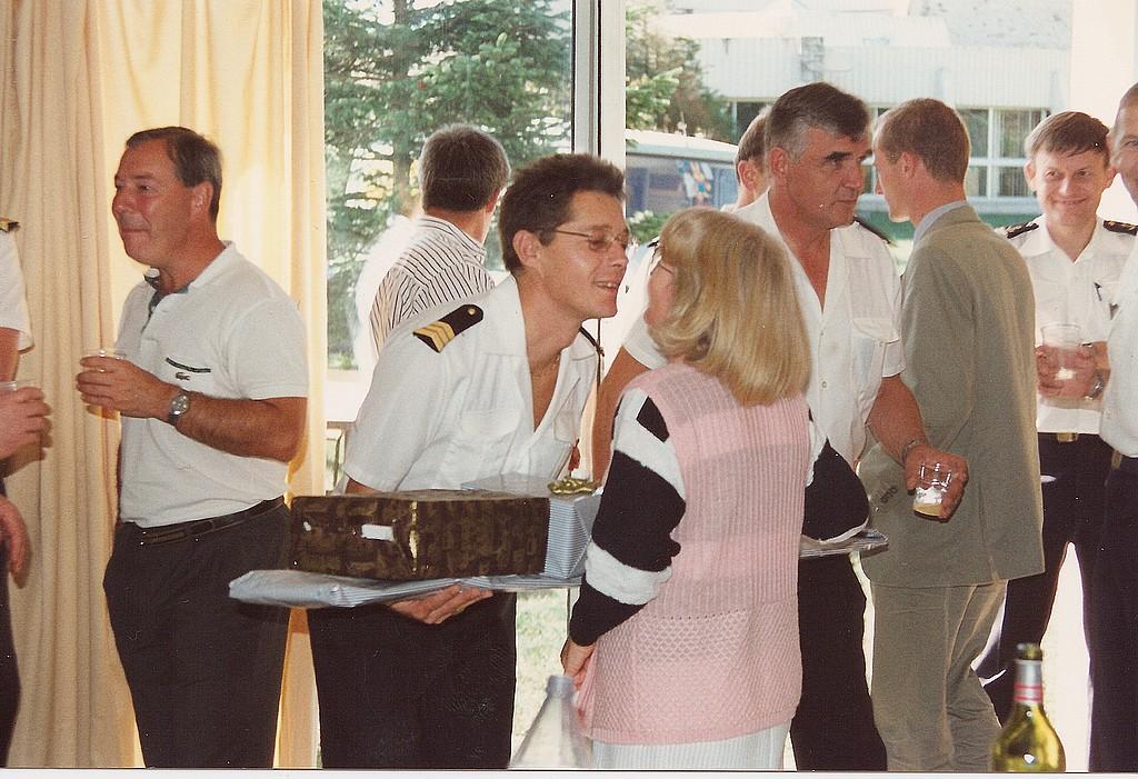 [Les traditions dans la Marine] LES POTS DE DÉBARQUEMENTS Depcro10