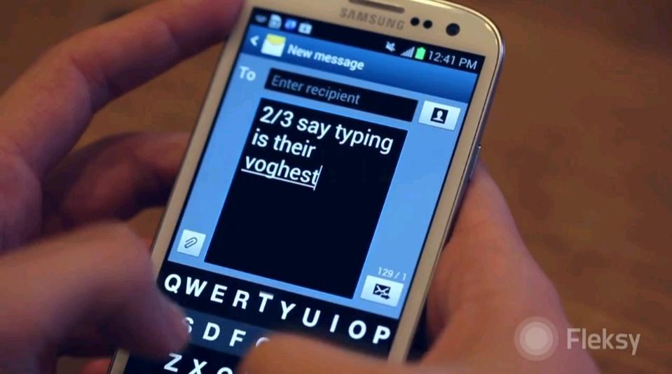 Ya podemos escribir mensajes de texto con el móvil sin mirar al teclado. Fleksy10
