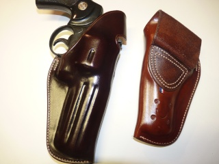 Tom THREEPERSONS and MYRES  HOLSTER by SLYE P1110230