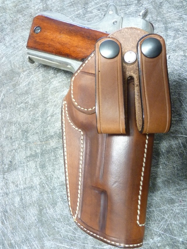 HOLSTER pour Colt 45 by SLYE P1110438