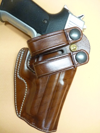 HOLSTER pour Colt 45 by SLYE P1110519
