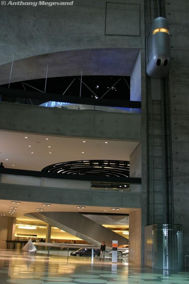 musée - [Photos] Le Mercedes-Benz Museum de Stuttgart 00_vis12