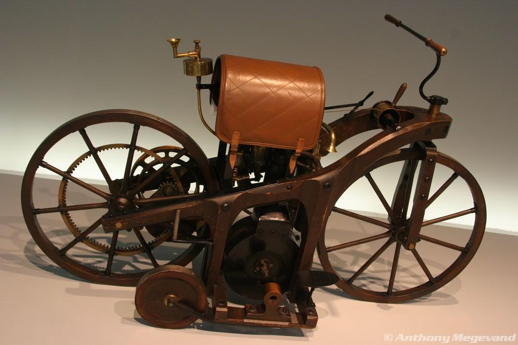 musée - [Photos] Le Mercedes-Benz Museum de Stuttgart 00_vis14
