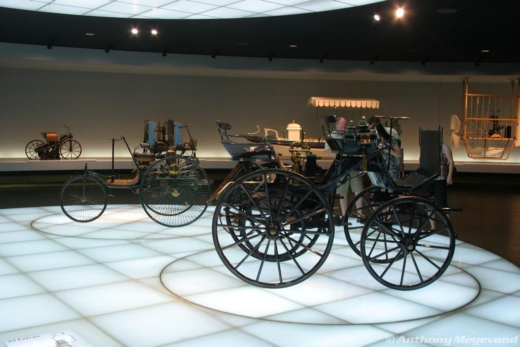 musée - [Photos] Le Mercedes-Benz Museum de Stuttgart 00_vis16