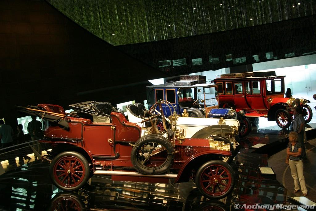 musée - [Photos] Le Mercedes-Benz Museum de Stuttgart 00_vis19