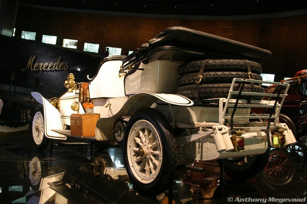 musée - [Photos] Le Mercedes-Benz Museum de Stuttgart 00_vis20