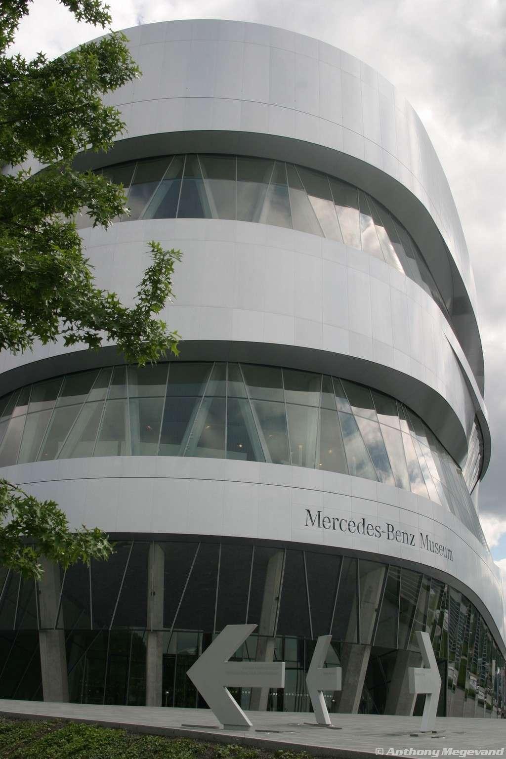 musée - [Photos] Le Mercedes-Benz Museum de Stuttgart A6-00_10
