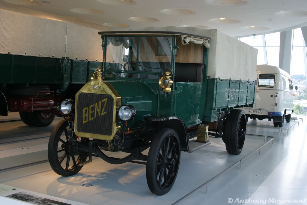 musée - [Photos] Le Mercedes-Benz Museum de Stuttgart A6-00_22
