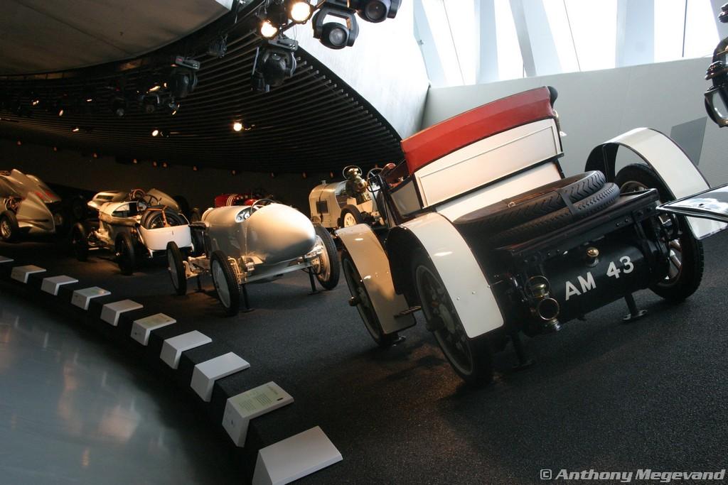musée - [Photos] Le Mercedes-Benz Museum de Stuttgart A6-00_52