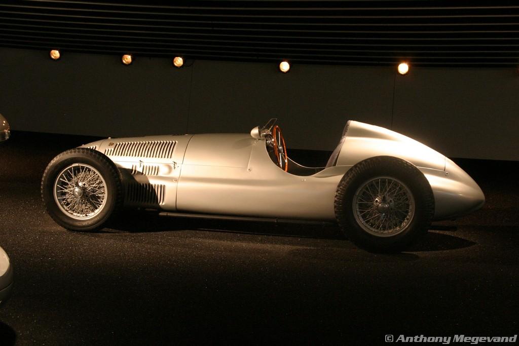 musée - [Photos] Le Mercedes-Benz Museum de Stuttgart A6-00_56