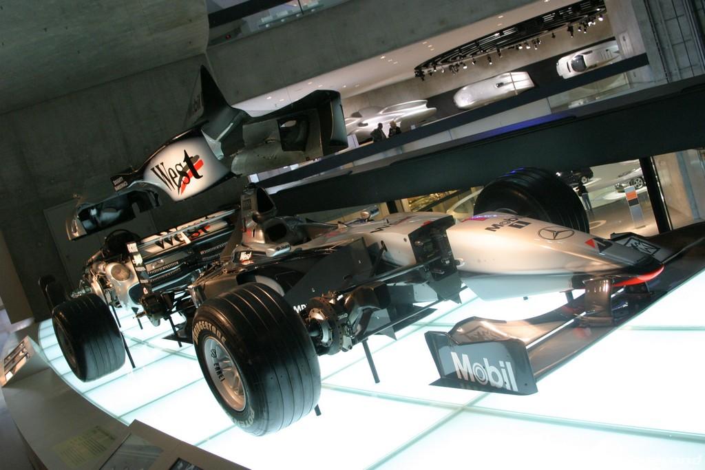 musée - [Photos] Le Mercedes-Benz Museum de Stuttgart A6-00_71
