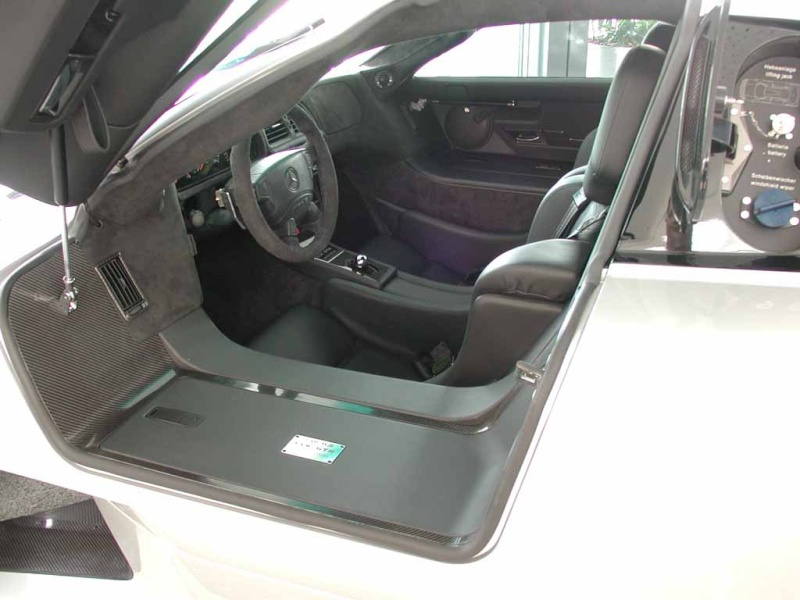 La Mercedes Benz CLK GTR 1998 Clkgtr16