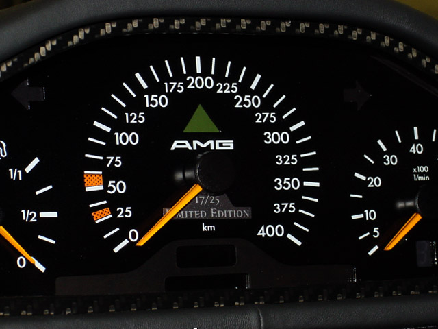 La Mercedes Benz CLK GTR 1998 Clkgtr33