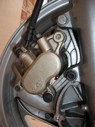NTV 650 : Fourches et double freins à disques adaptables ? - Page 2 Imgp1012