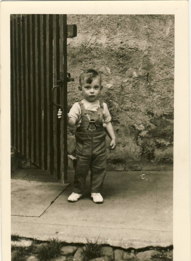 Thierry,petit garçon des années 60/70  à Wangen Image017