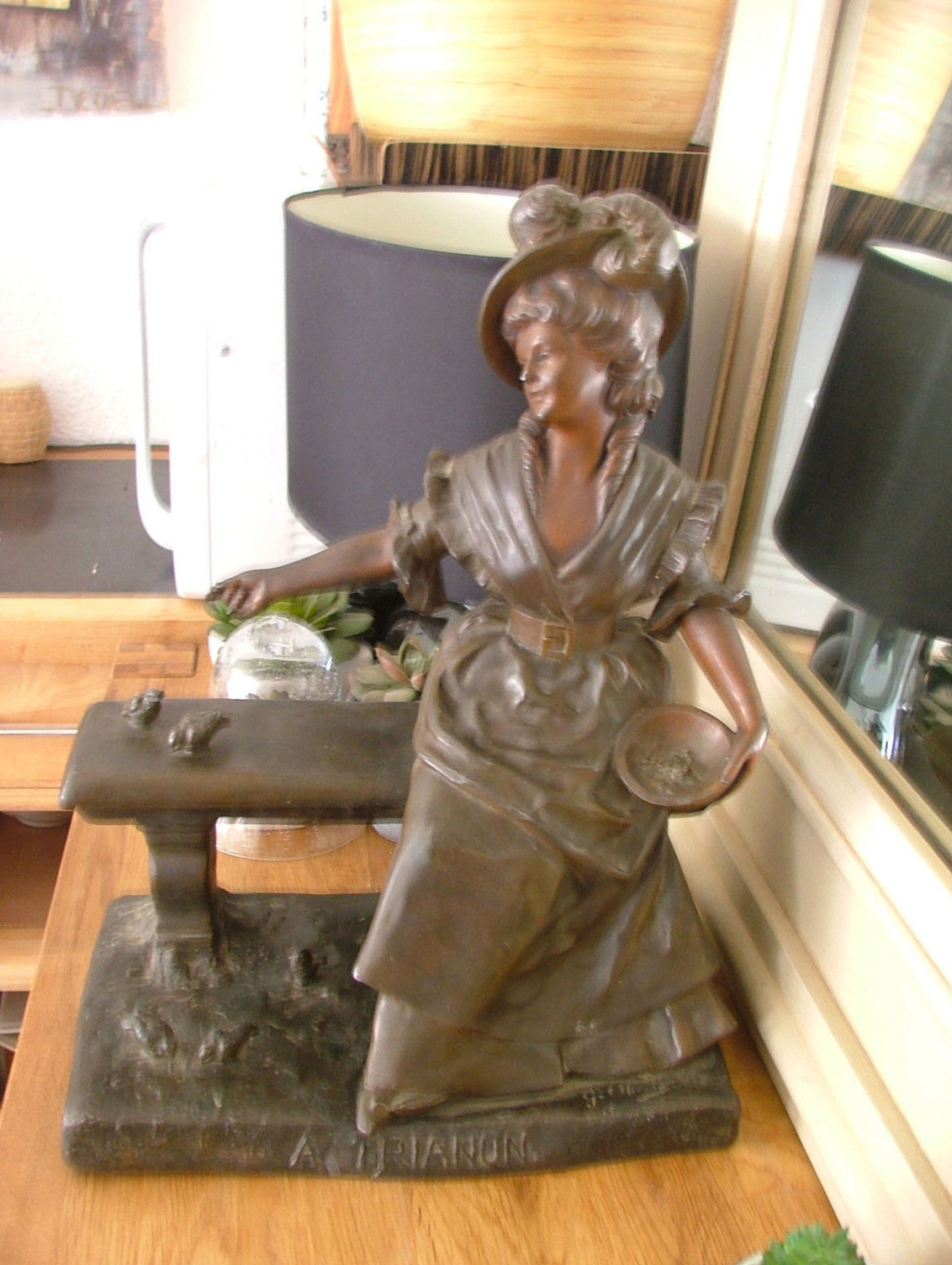 Marie-Antoinette par Jacques Boéro, statues et statuettes Ma_a_t10
