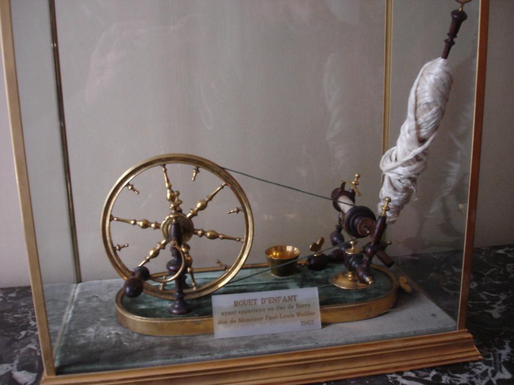 Un rouet ayant appartenu à Marie-Antoinette ? Les rouets au XVIIIe siècle Rouet10
