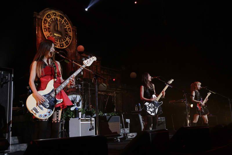 SCANDAL HALL TOUR 2012「Queens are trumps-Kirifuda wa Queen-」 - Page 4 Scanda11