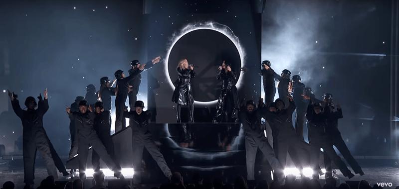 FALL IN LINE (Christina Aguilera&Demi Lovato) Duen27