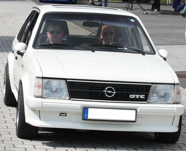 OPEL KADETT D - CZ i z venku :-) - Stránka 6 Opel-k17