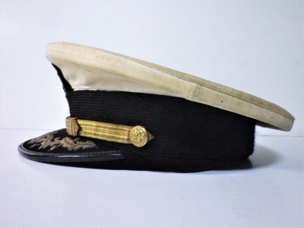 Une casquette de la Marine Nationale fabrication locale ? époque ? Casque11