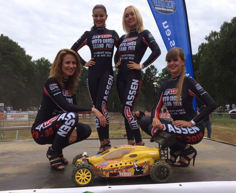 Auto RC-Girls - Page 7 11807710