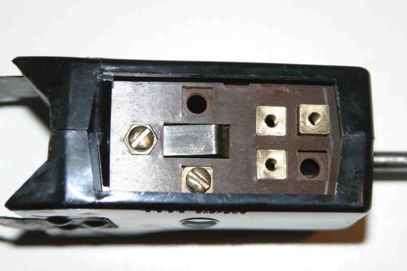 L'électricité pour les Nuls : le commodo de phares (5 et 7 plots) [à déplacer.Mis dans sommaire] 2_klax10