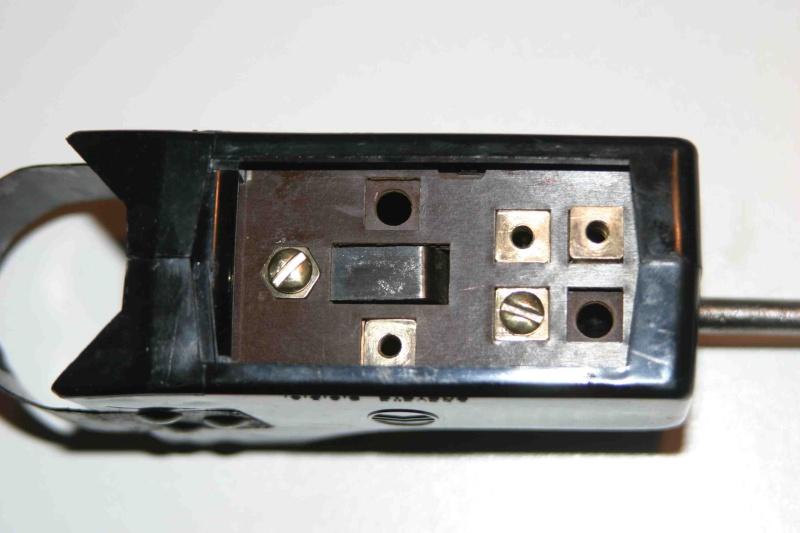 L'électricité pour les Nuls : le commodo de phares (5 et 7 plots) [à déplacer.Mis dans sommaire] 3_veil10