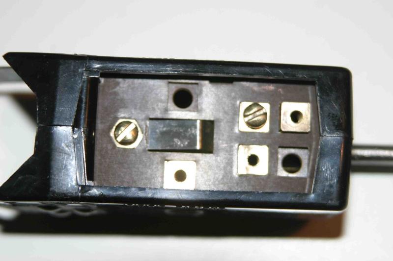 L'électricité pour les Nuls : le commodo de phares (5 et 7 plots) [à déplacer.Mis dans sommaire] 4_feux11