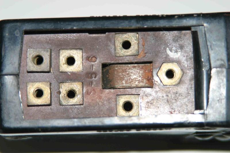 L'électricité pour les Nuls : le commodo de phares (5 et 7 plots) [à déplacer.Mis dans sommaire] Img_4513