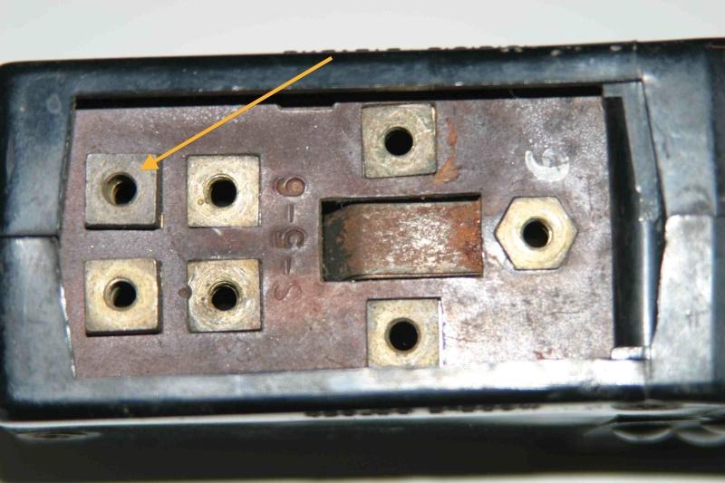 L'électricité pour les Nuls : le commodo de phares (5 et 7 plots) [à déplacer.Mis dans sommaire] Img_4515