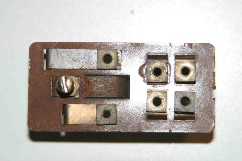 L'électricité pour les Nuls : le commodo de phares (5 et 7 plots) [à déplacer.Mis dans sommaire] Img_4517