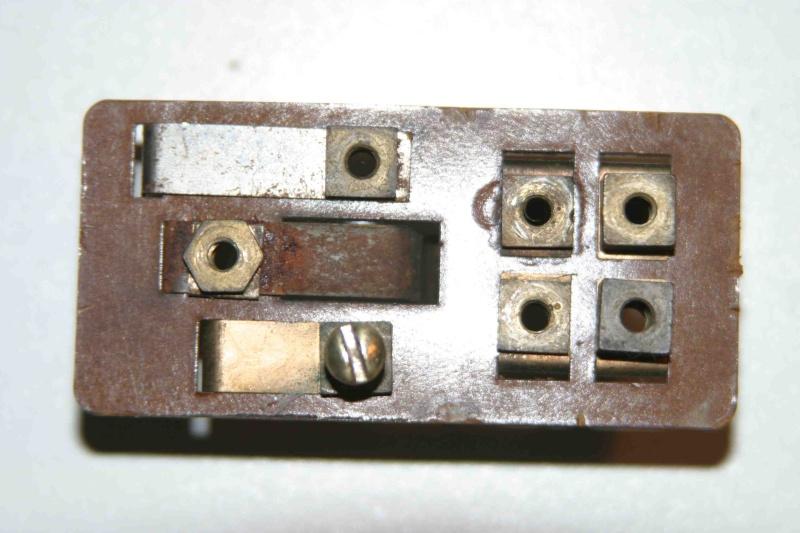 L'électricité pour les Nuls : le commodo de phares (5 et 7 plots) [à déplacer.Mis dans sommaire] Img_4518