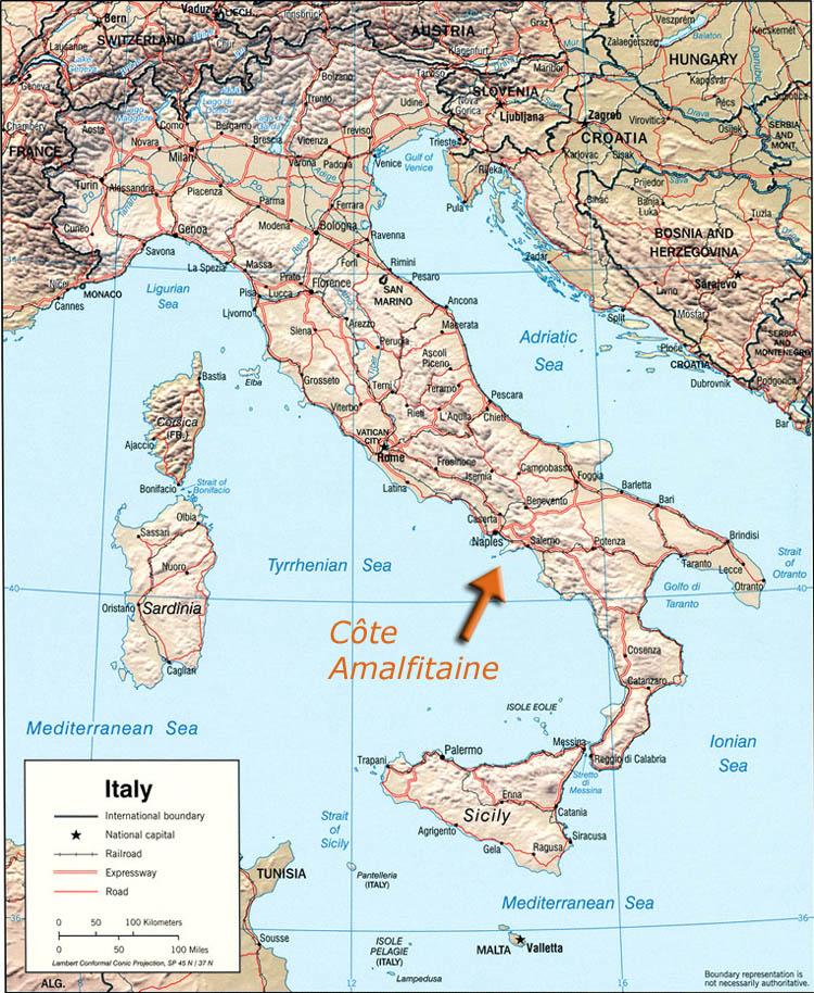 Sur la côte Amalfitaine Cote-a10