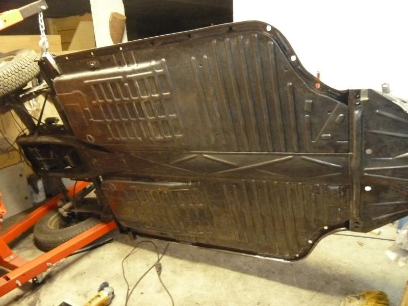 denis du bas rhin et sa Karmann Ghia de 73 sortie de grange - Page 6 P1080413