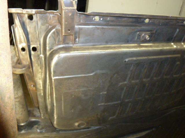 denis du bas rhin et sa Karmann Ghia de 73 sortie de grange - Page 6 P1080414