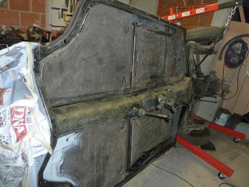 denis du bas rhin et sa Karmann Ghia de 73 sortie de grange - Page 7 P1080417