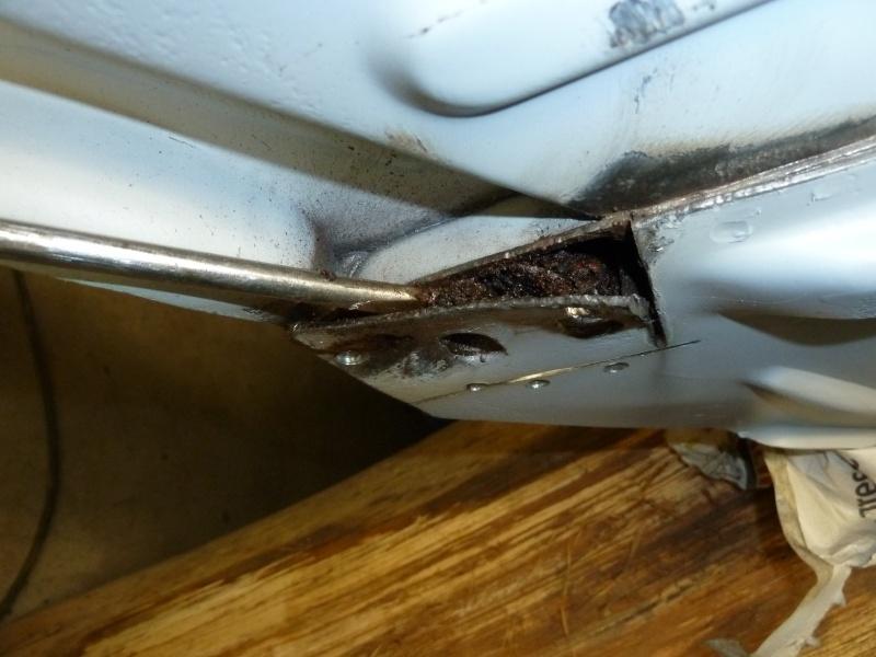 denis du bas rhin et sa Karmann Ghia de 73 sortie de grange - Page 7 P1080612