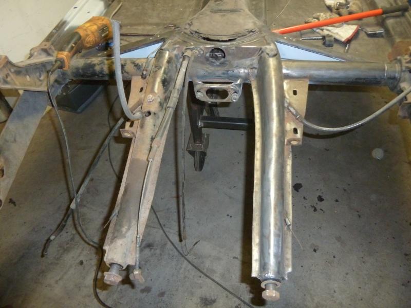 denis du bas rhin et sa Karmann Ghia de 73 sortie de grange - Page 7 P1080710