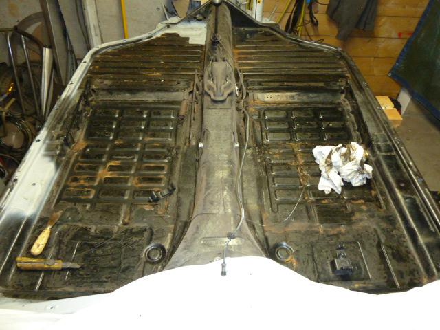 denis du bas rhin et sa Karmann Ghia de 73 sortie de grange - Page 7 P1080717