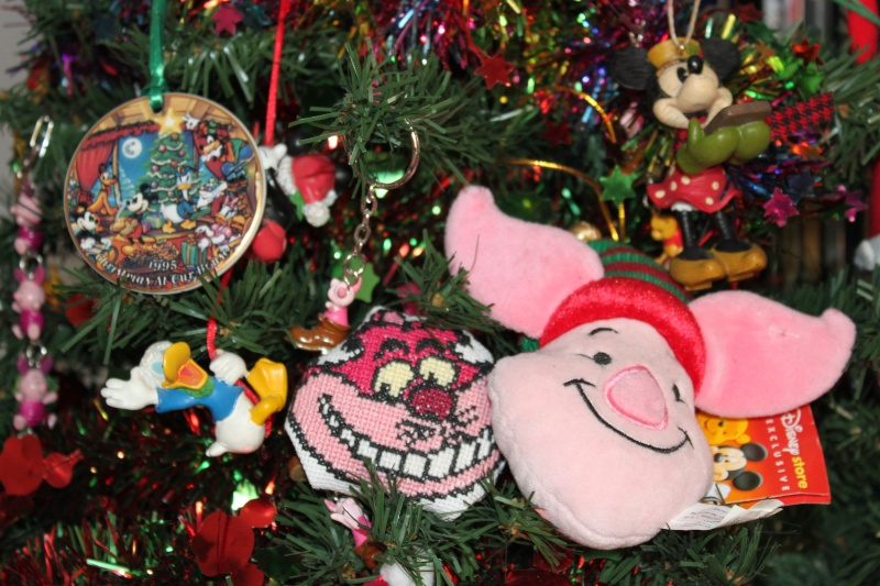 Envoyons nous du courrier sur DFC (Cher Papa Noël) # 3ème édition - Page 6 Pins_021