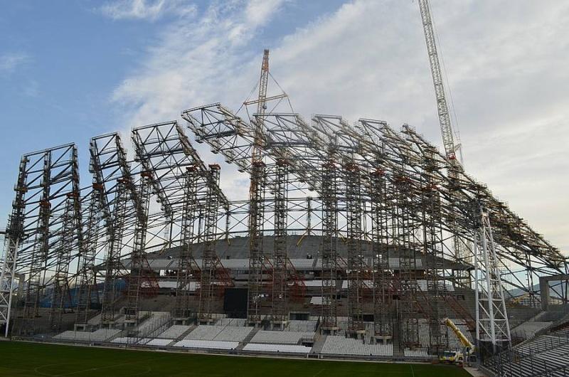 Stade Vélodrome (67,000 places fin estimée Juin 2014) - Page 2 110