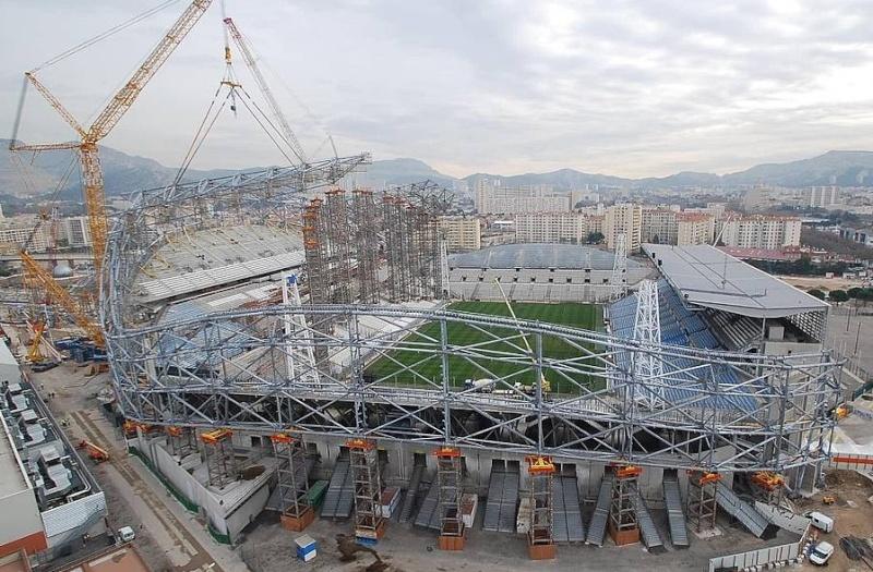 Stade Vélodrome (67,000 places fin estimée Juin 2014) 210