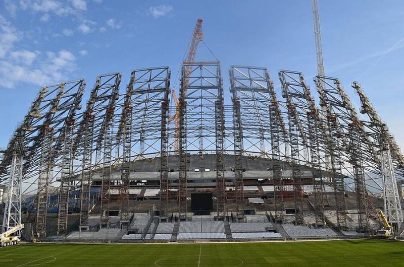 Stade Vélodrome (67,000 places fin estimée Juin 2014) - Page 2 211