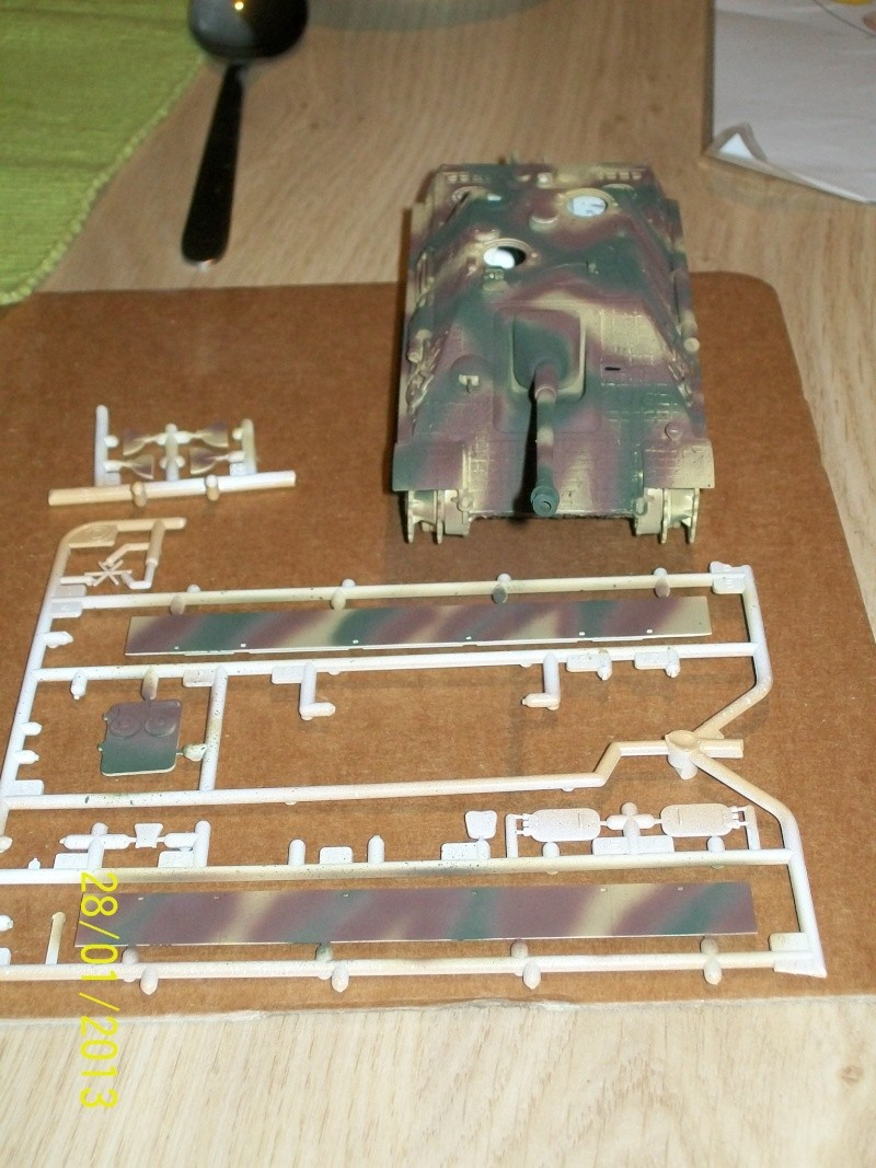 Chars Jagdpanther et Panther au repos au Chateau Pelzer [TAMIYA 1/48° ] (Diorama terminé) 00216