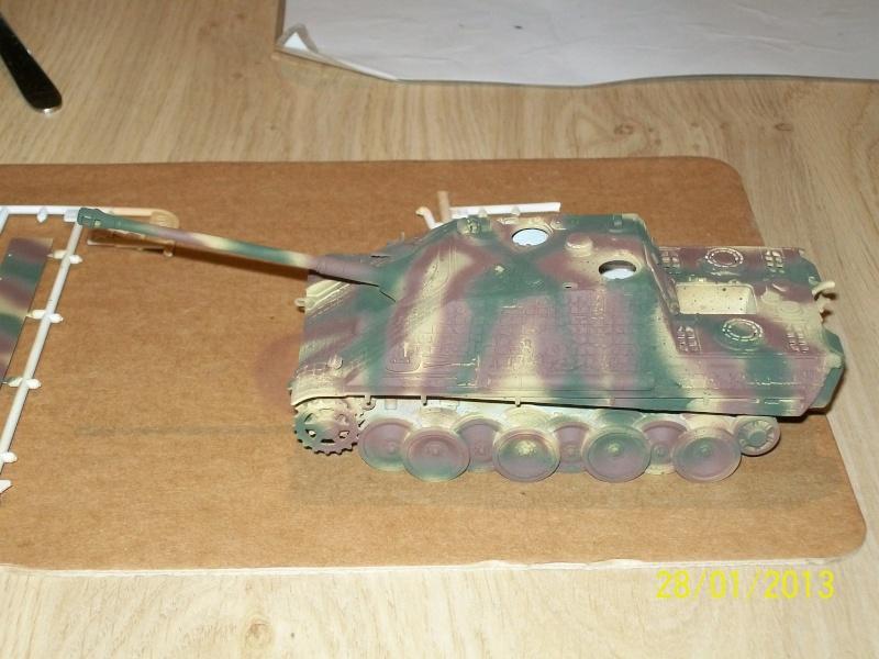 Chars Jagdpanther et Panther au repos au Chateau Pelzer [TAMIYA 1/48° ] (Diorama terminé) 00318