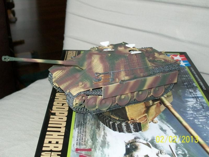 Chars Jagdpanther et Panther au repos au Chateau Pelzer [TAMIYA 1/48° ] (Diorama terminé) 00320