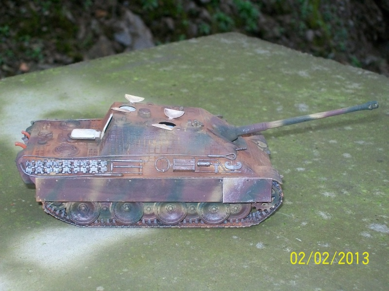 Chars Jagdpanther et Panther au repos au Chateau Pelzer [TAMIYA 1/48° ] (Diorama terminé) - Page 2 00516