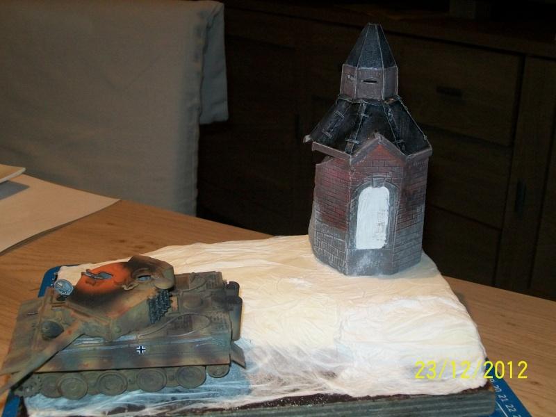 Tigre  [AFV CLUB - 1/48°] et la Chapelle de HALLOUX détruite en 1944 ( Diorama terminé ).  03310